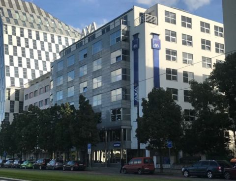 Foto budovy - naše originál foto